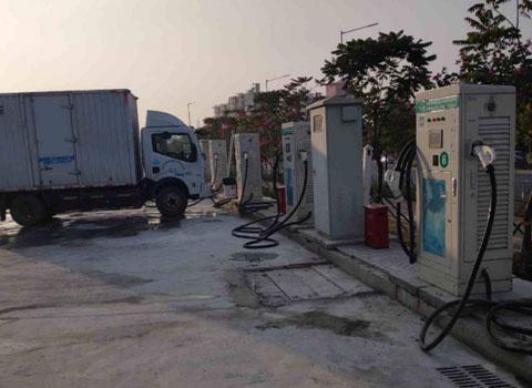 深圳市光明新区马田街道周家大道充电站240kw-120kw直流桩